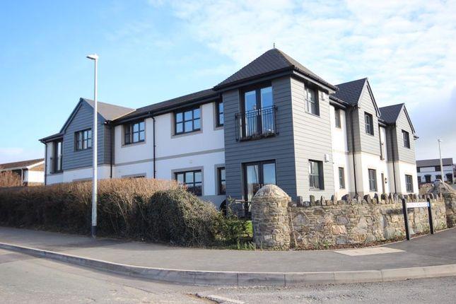 Thumbnail Flat for sale in Lon Y Dderwen, Conwy