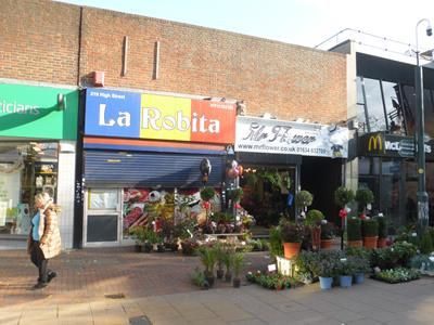Thumbnail Commercial property for sale in 219, High Street, Chatham