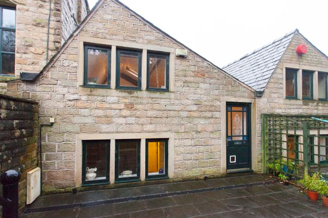 Thumbnail Town house for sale in Wool Road, Dobcross, Oldham