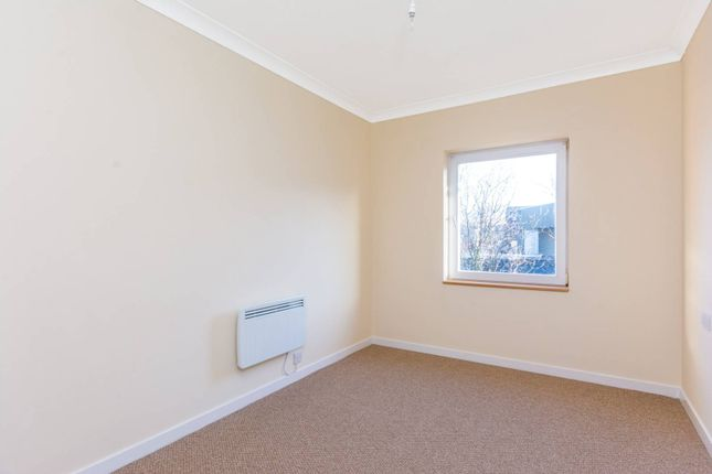 Thumbnail Flat for sale in Fishers Lane, Chiswick
