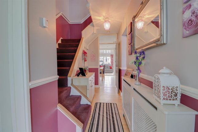 6 bed town house for sale in Little Lullaway, Lee Chapel North, Basildon SS15