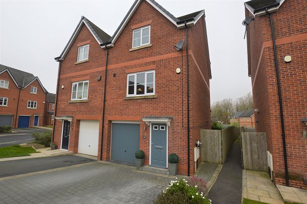 Thumbnail Property to rent in Harrier Close, Lostock, Bolton