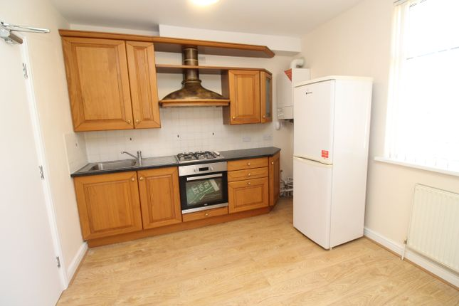 Thumbnail Flat to rent in Newport Road, Roath, Cardiff