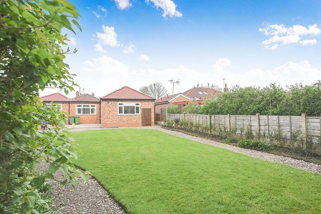 Thumbnail Room to rent in Pinfold Drive, Cheadle Hulme, Cheadle