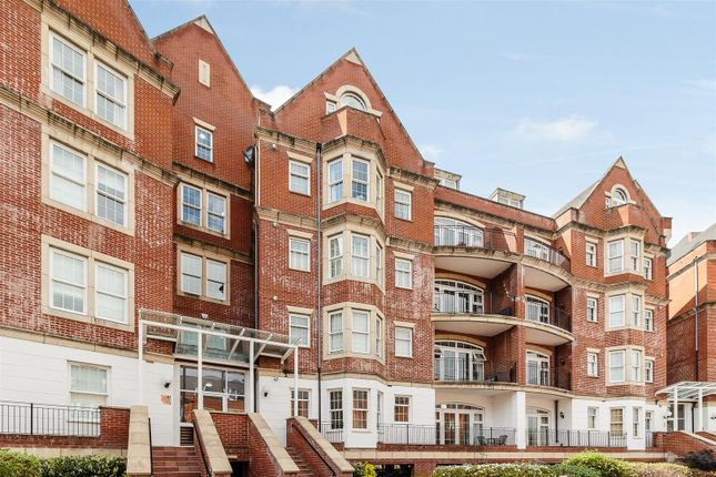 Thumbnail Flat for sale in Rhapsody Crescent, Warley, Brentwood