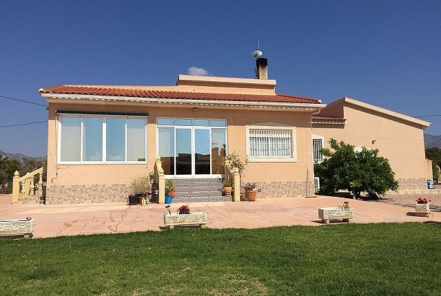 Thumbnail Country house for sale in Albatera, Valencia, Spain