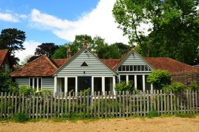 Thumbnail Cottage to rent in The Grovells, Hudnall Common, Little Gaddesden, Berkhamsted
