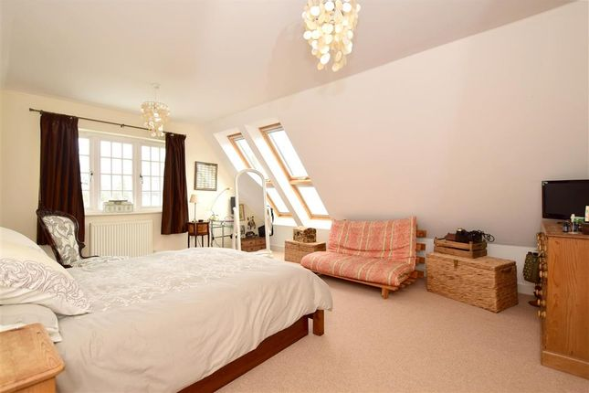 3 bed terraced house for sale in Ashburnham Drive, Cuckfield, Haywards Heath, West Sussex