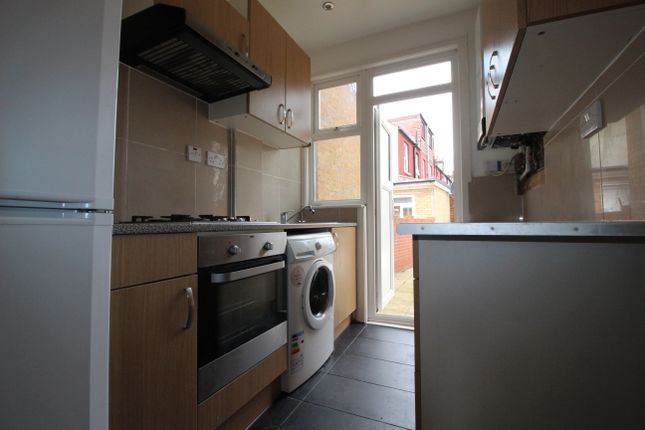Thumbnail Terraced house to rent in Coleridge Ave, London