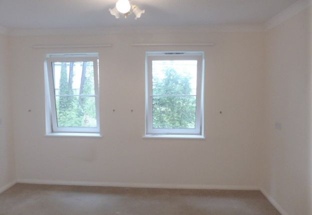 Thumbnail Flat to rent in The Mansions, Fairfield Road, Broadstairs, Kent