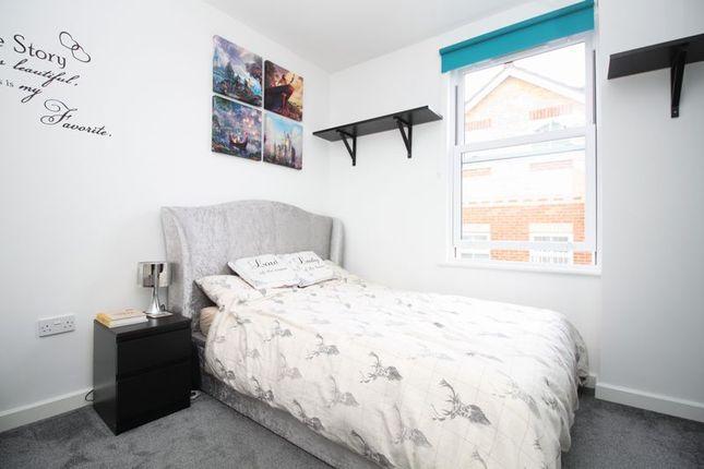 Master Bedroom of Peartree Avenue, Southampton SO19