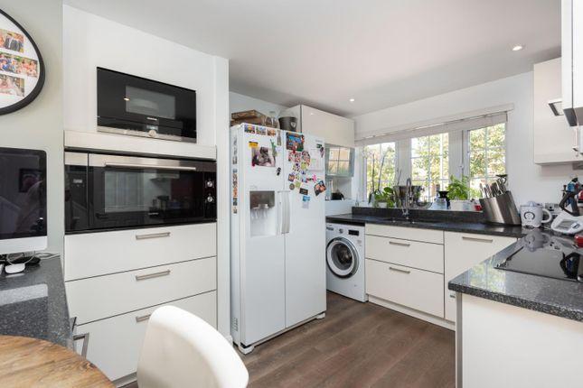Kitchen/Diner of Tumbling Bay, Walton-On-Thames KT12