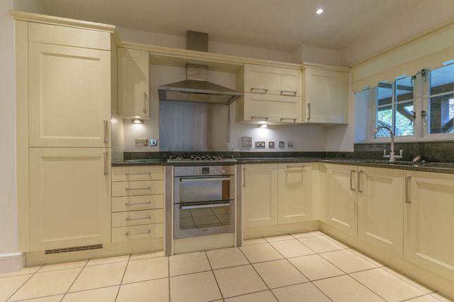 Thumbnail Flat to rent in Waverley Lane, Farnham