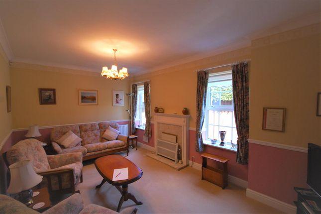 Family Room of Mallow Walk, St James Parish, Goffs Oak EN7