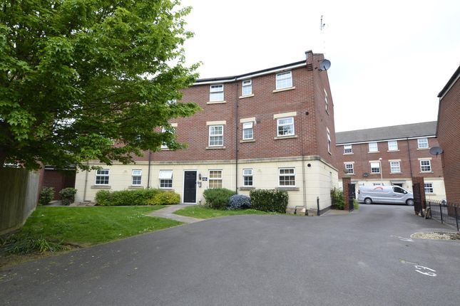 Flat to rent in Watermint Drive, Tuffley, Gloucester