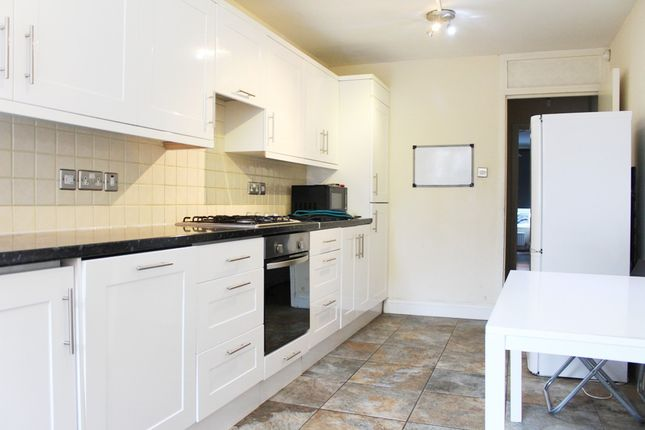 Thumbnail Terraced house to rent in Havelock Street, London