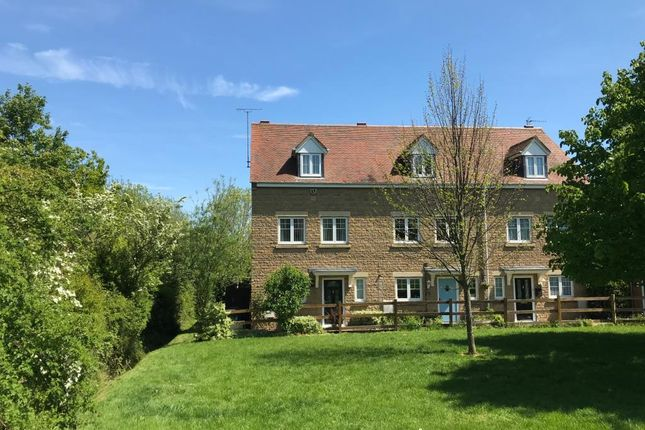 Thumbnail End terrace house to rent in Lapsley Drive, Banbury