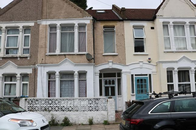 Thumbnail Terraced house to rent in Ashbourne Rd, Mitcham