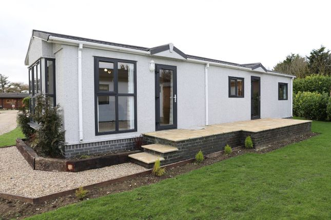 Thumbnail Mobile/park home for sale in Turkey Lane, Carnaby, Bridlington
