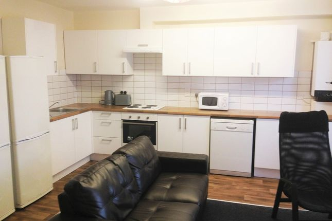Thumbnail Flat for sale in Clifton Avenue, Fallowfield, Manchester