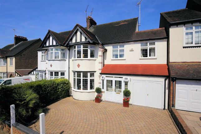 Thumbnail Detached house for sale in Hollywood Way, Woodford Green, Essex