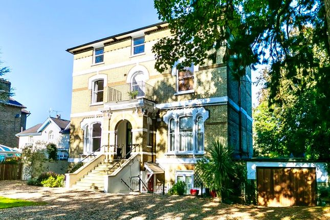 2 bed flat for sale in Palace Road, East Molesey KT8