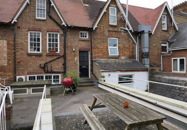 Double Room To Rent In Oxford Divinity Road