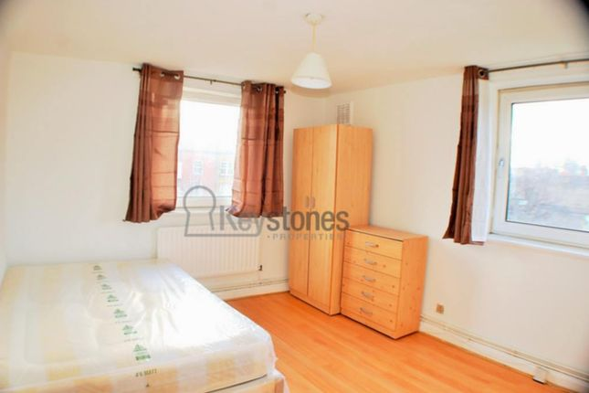 Thumbnail Flat to rent in James Campbell House, Old Ford Road, Bethnal Green