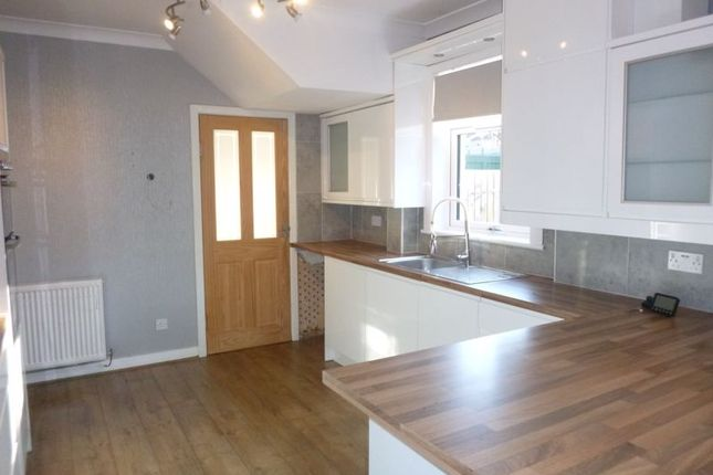 3 bed terraced house to rent in Cleish Gardens, Kirkcaldy KY2
