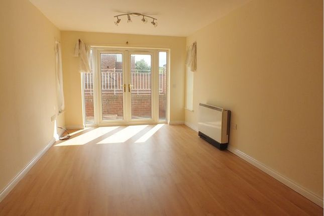 Thumbnail Flat to rent in Grebe Close, Dunston, Gateshead