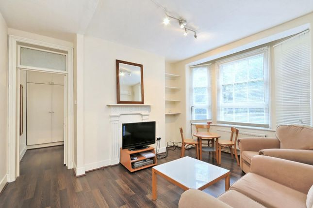 Living of Gilbert Street, Mayfair, London W1K