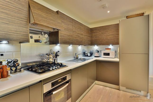 Thumbnail Flat for sale in Manchester Road, London