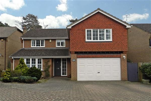 Thumbnail Detached house for sale in Kingsley Close, Crowthorne