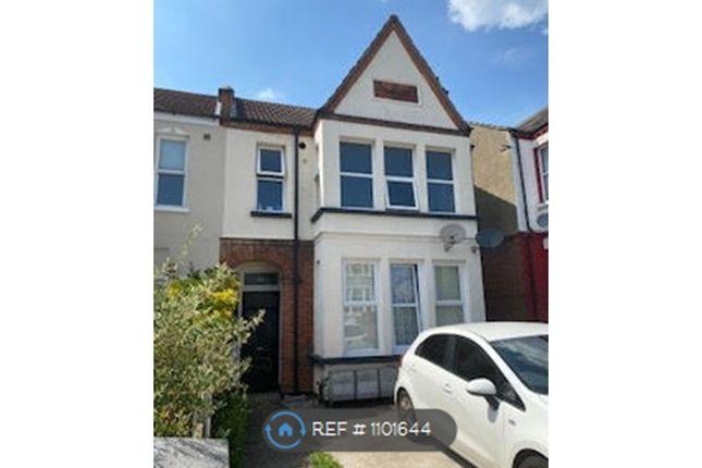 2 bed flat to rent in Satanita Road, Westcliff-On-Sea SS0