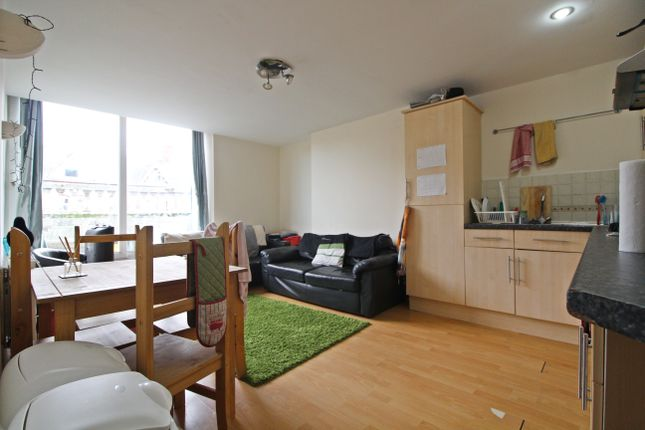 Thumbnail Flat to rent in City Road, Roath, Cardiff