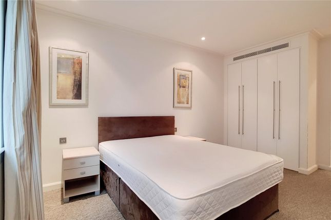 Picture No. 05 of Discovery Dock Apartments East, 3 South Quay Square, London E14