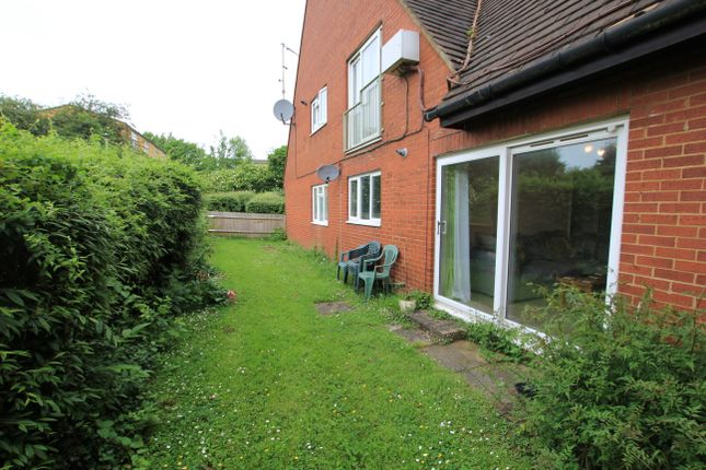 Thumbnail Flat to rent in Blyth Close, Stevenage