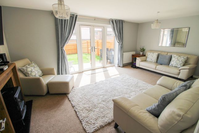 Living Room of Wheelwright Way, Woodford Halse NN11