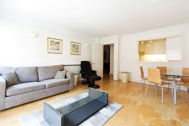 Thumbnail Flat to rent in Crown Court, Covent Garden, London