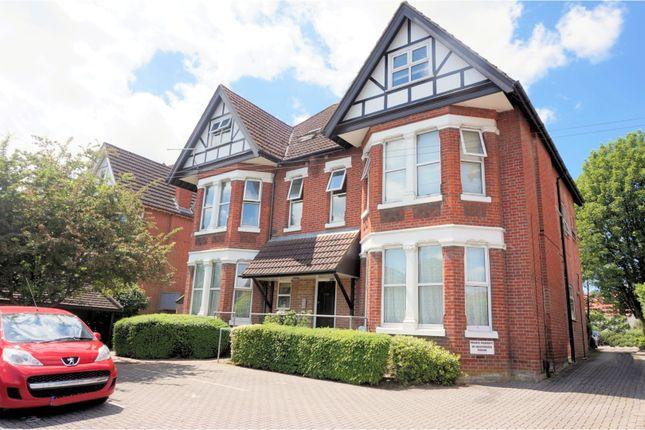 Thumbnail Flat for sale in 156 Hill Lane, Southampton