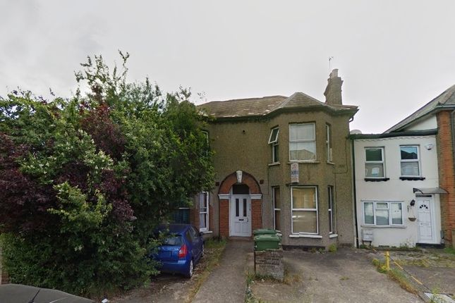 Thumbnail Duplex to rent in Eastwood Road, Ilford