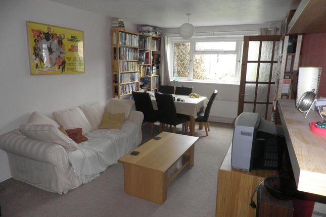 Thumbnail Flat to rent in New Street, Horsham