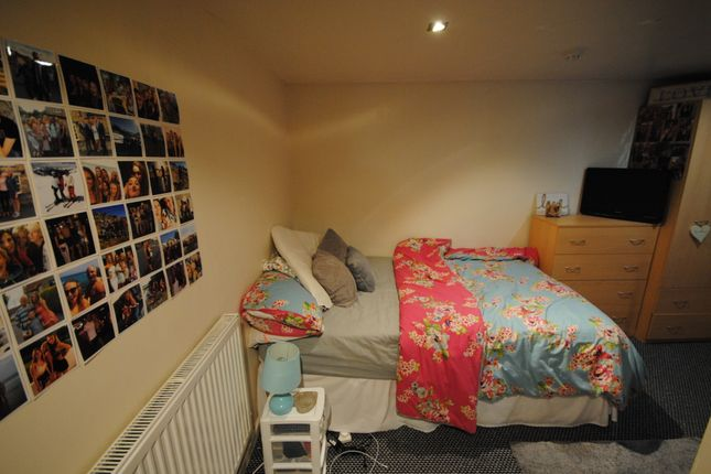 Thumbnail Terraced house to rent in 3 St Michaels Villas, Headingley