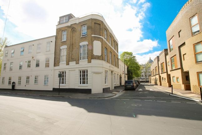 Thumbnail Flat to rent in Old Woolwich Road, Greenwich