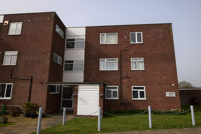 2 bed flat for sale in Timberlaine Road, Pevensey Bay BN24