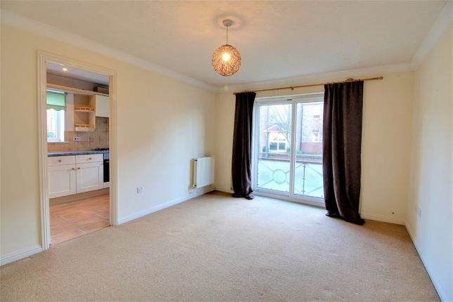 Flat for sale in Lakeside Boulevarde, Lakeside, Doncaster
