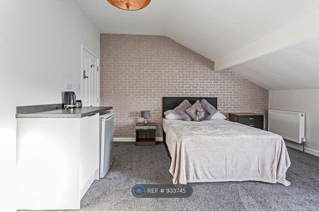 En-Suite Kitchenette Let (Room 6)