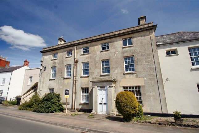 2 bedroom flat for sale in Sodbury Road, Wickwar, Wotton-Under-Edge, South Gloucestershire
