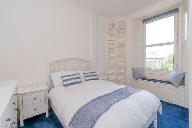 Bedroom 1 of Iona Street, Edinburgh EH6