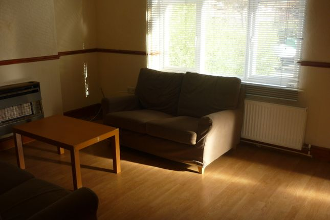 3 bed semi-detached house to rent in Olton Avenue, Beeston, Nottingham